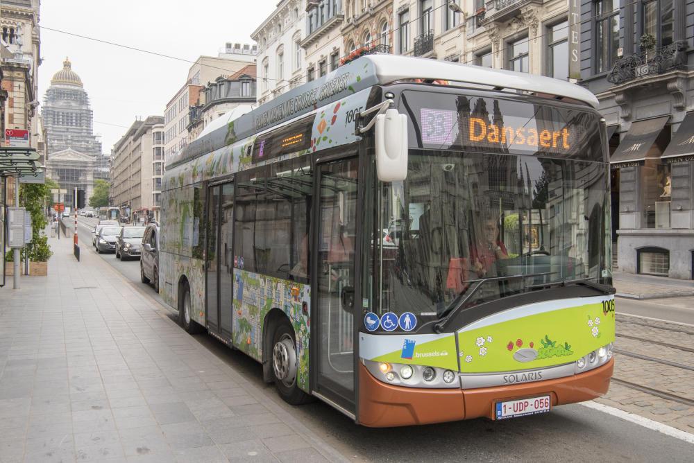 bus électrique ligne 33 solaris