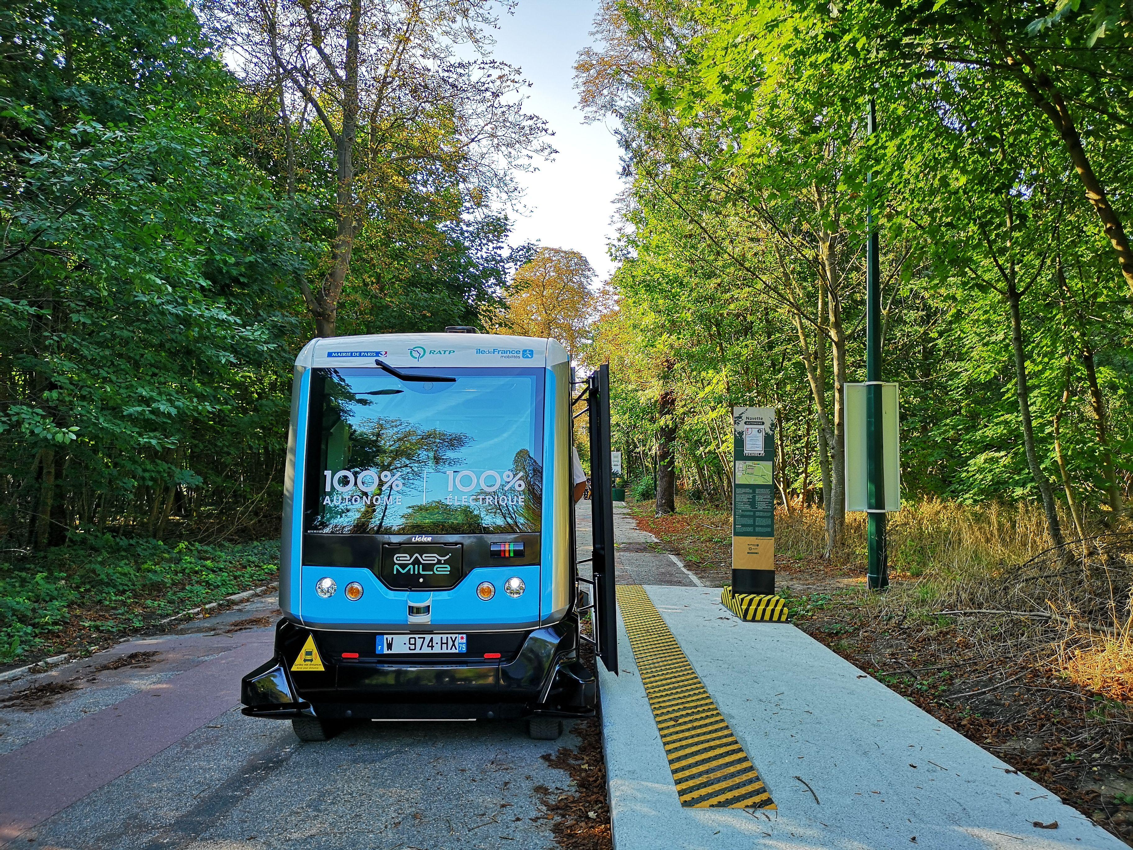 Des véhicules autonomes en test à la STIB